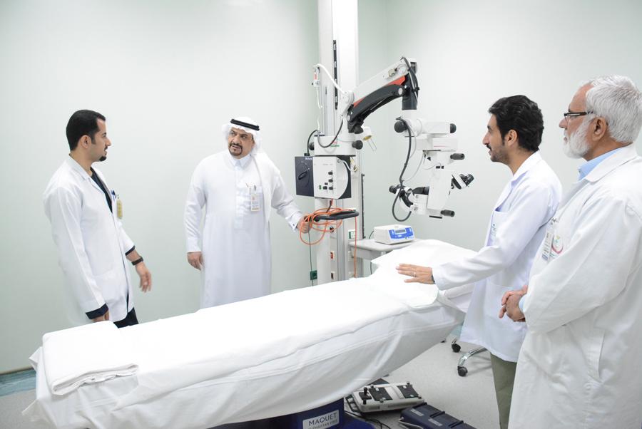 قسم الليزر وجراحات العيون الصغرى بمركزي بريدة يجري 1046 عملية في النصف الأول لعام 2018م